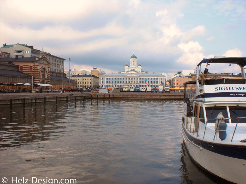 Helsinki –Kauppatori und Tuomiokirkko