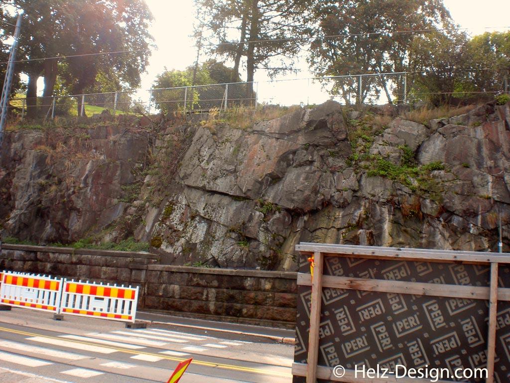 Eteläranta … Felsenstruktur, die man überall in Helsinki findet