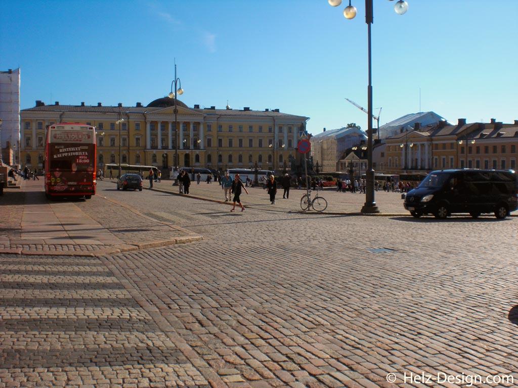 Blick zum Hauptgebäuder der Universität –Helsingin Yliopisto