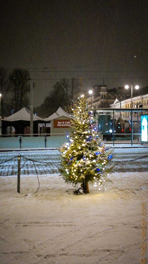 Kleiner Weihnachtsbaum am Kauppatori
