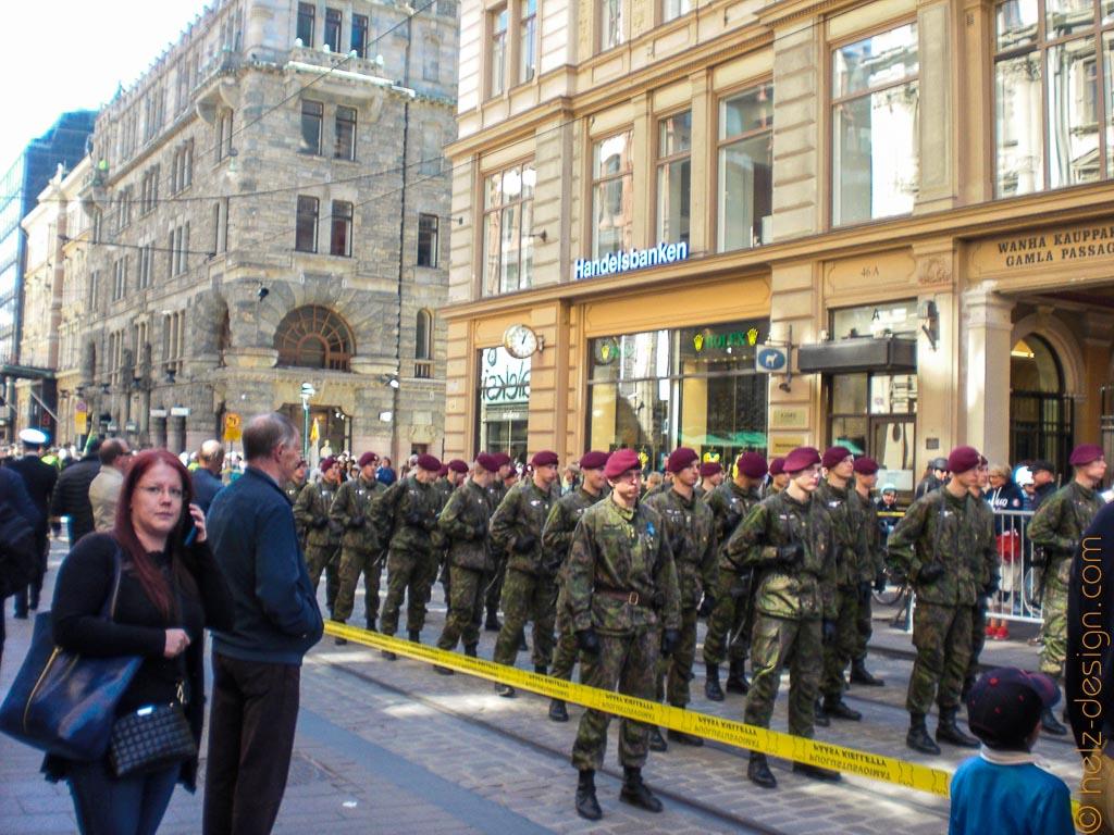 Soldaten vor Handelsbanken
