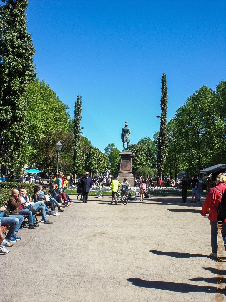 Esplanadi mit  Johan Ludvig Runeberg Denkmal