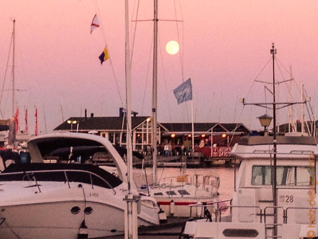 Der Mond über dem Skiffer