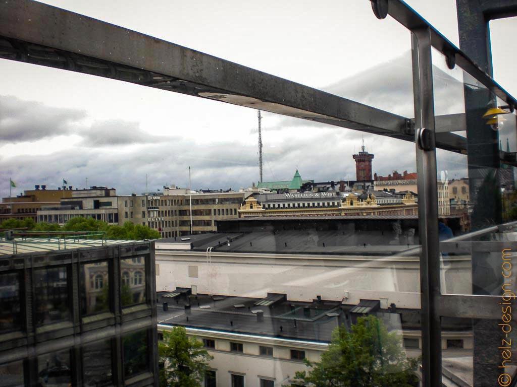 Stockmann Dachterasse und Blick zur Feuerwache von Erottaja