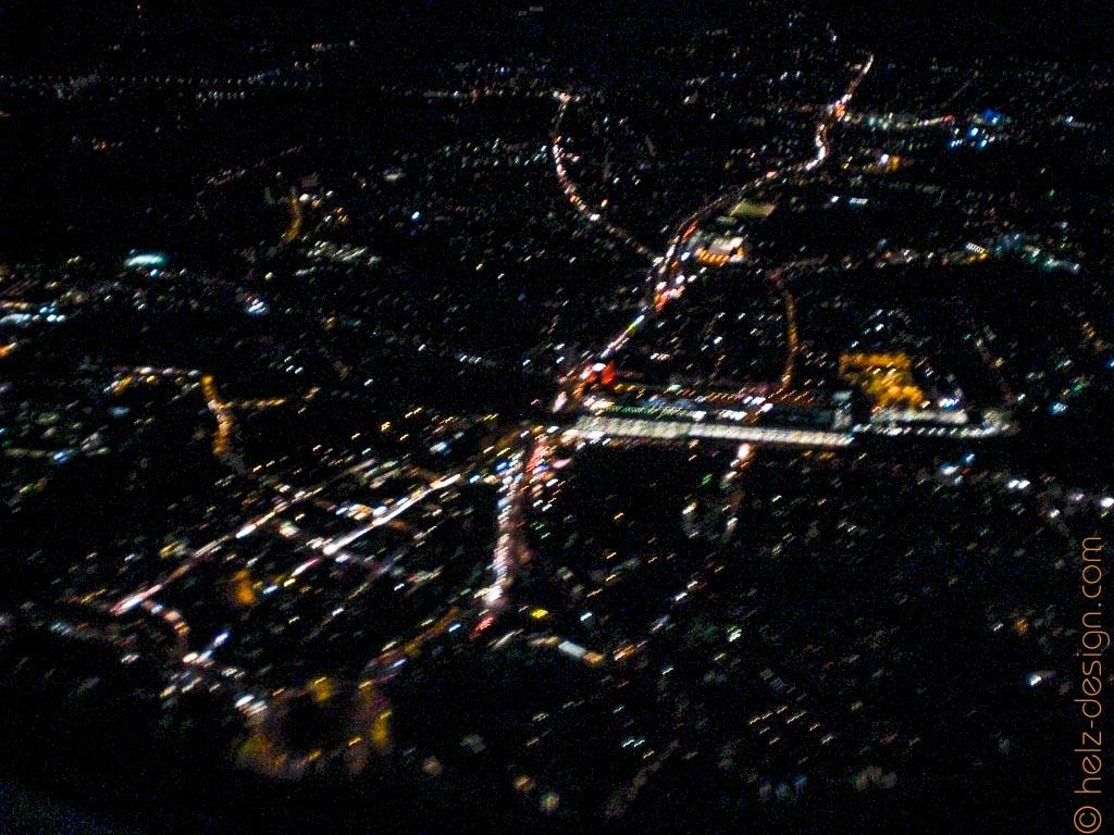 Finnland von oben bei Nacht