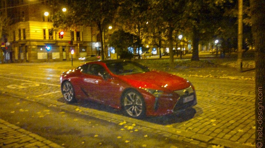 … oder ein Auto … schick so in rot :)