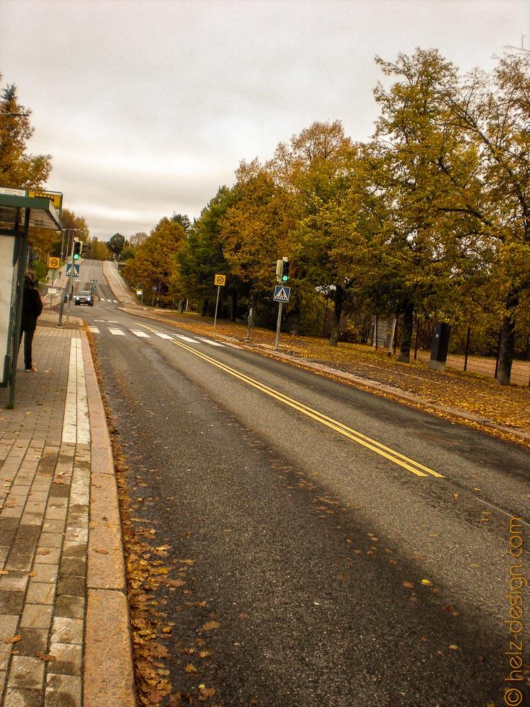 Yhdyskunnantie – warten auf den Bus
