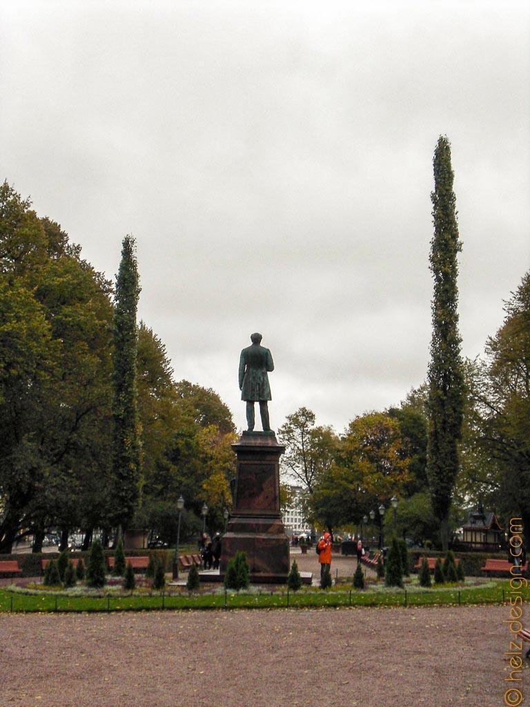 J. L. Runebergin muistomerkki – Runeberg Denkmal
