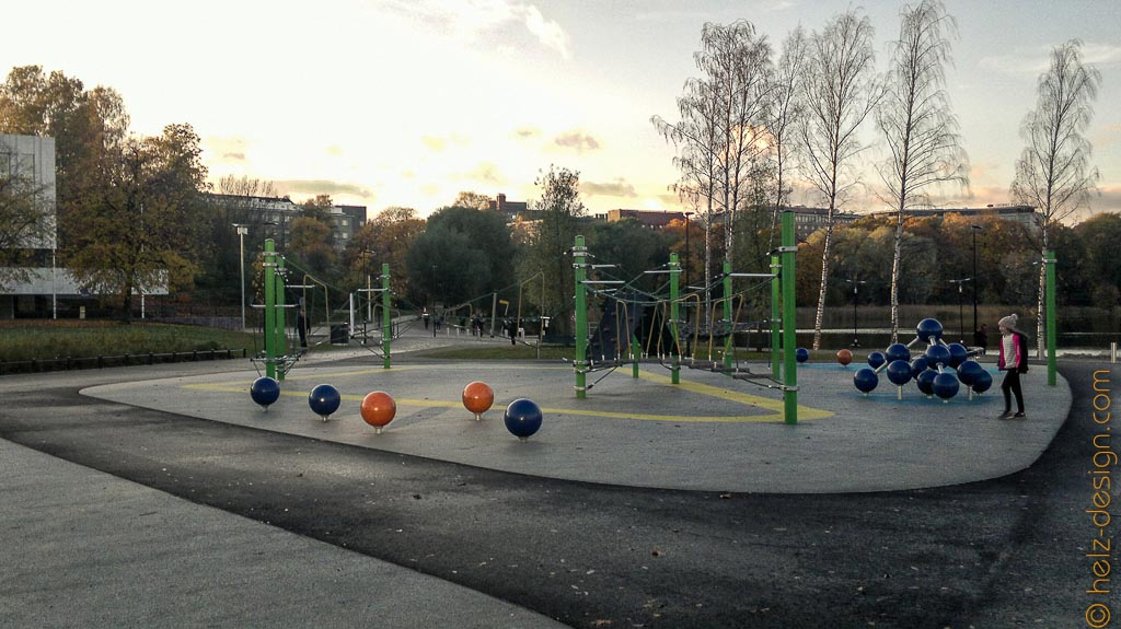 Leikkipuisto – Spielplatz