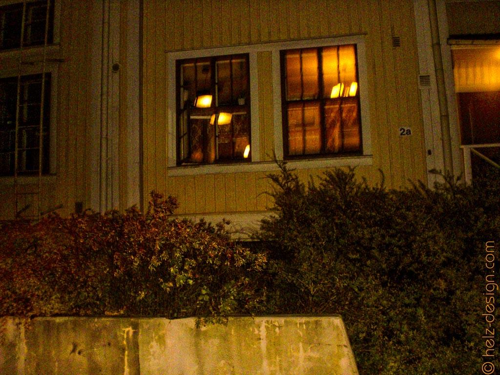 Ich gestehe: ich spanne gerne in beleuchtete Fenster – Oulunkylänasema