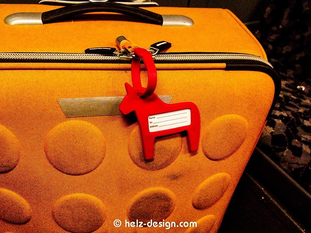 Neuer Anhänger für den orangen Koffer, ja es ist ein rotes Einhorn!