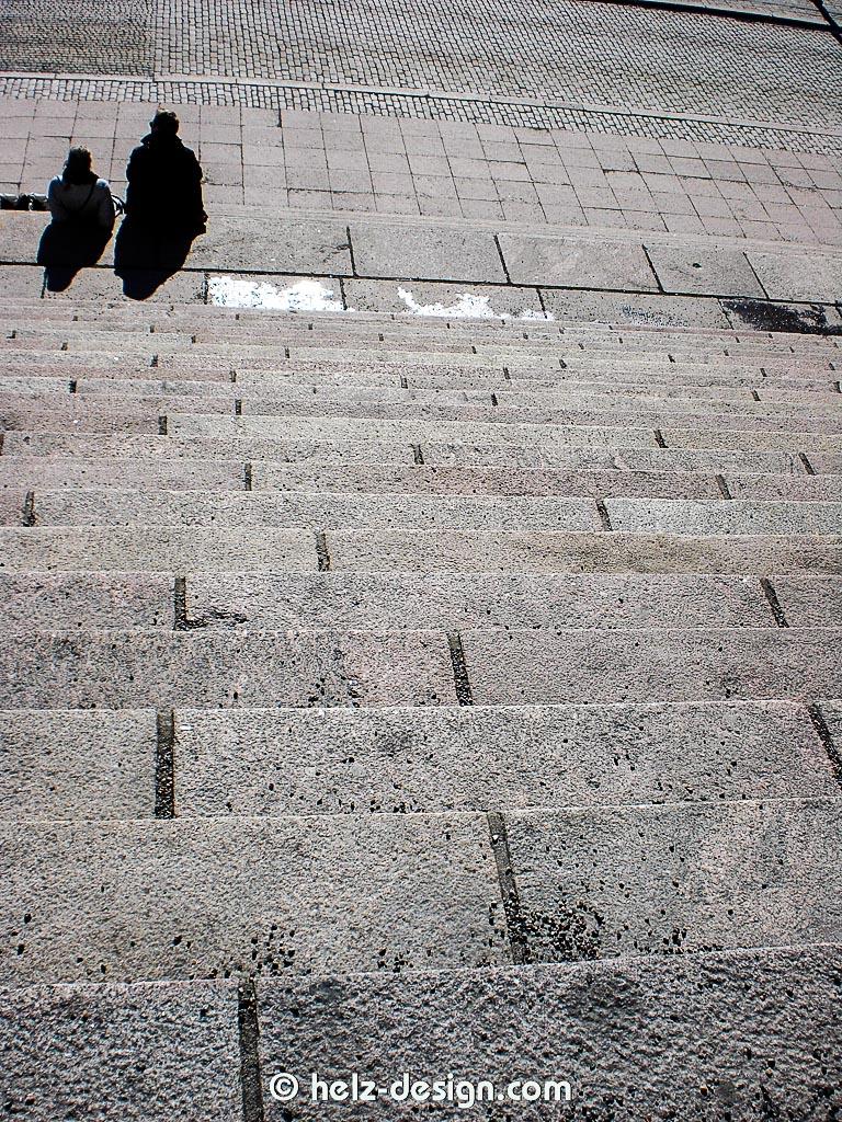 so gemütlich auf den Stufen – da sitze ich im Sommer auch wieder