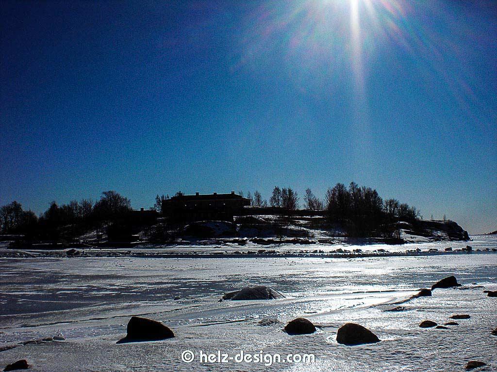 Strahlender Sonnenschein über Harakka