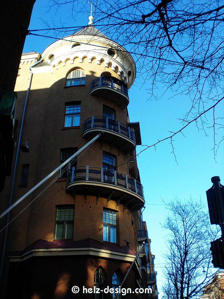 Eines der auffälligsten Häuser am Bulevardi