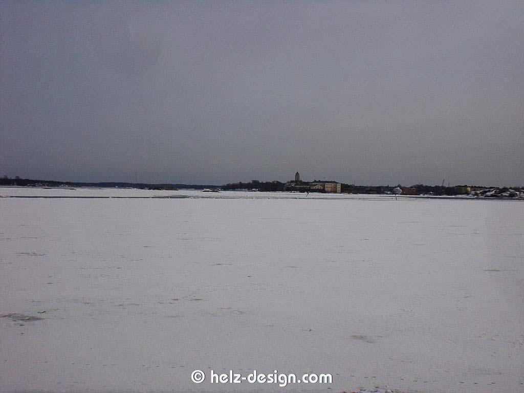 Ehrenströmintie –Suomenlinna im Hintergrund