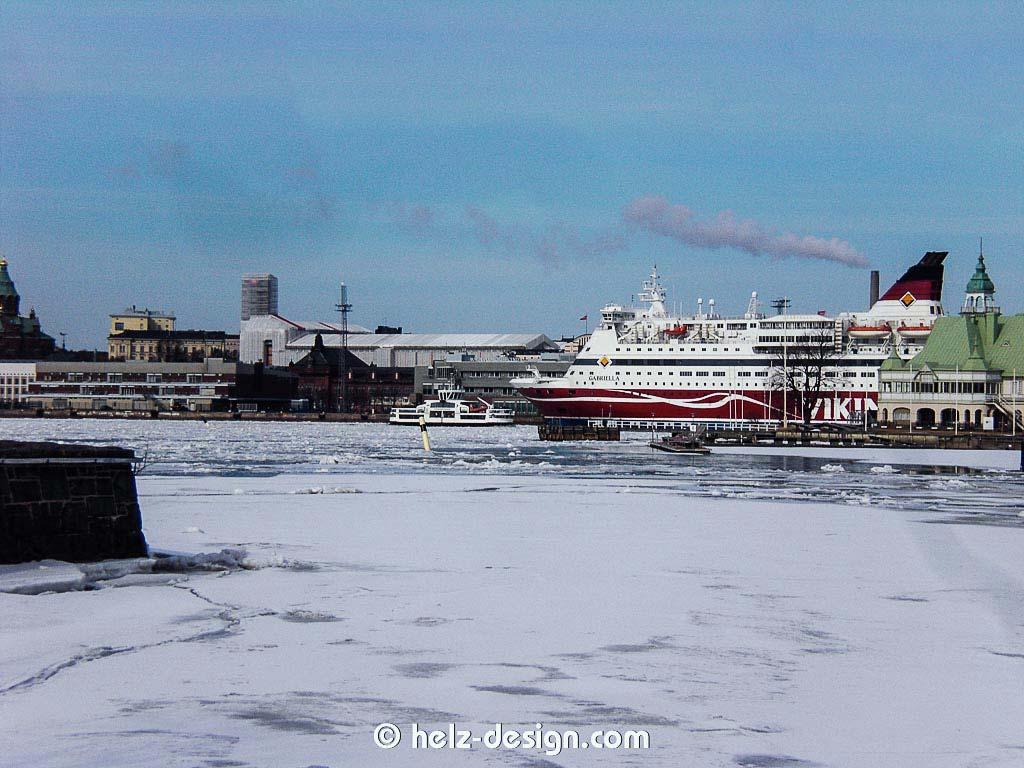 Katajanokka –Fährschiff Viking Line und Valkosaari