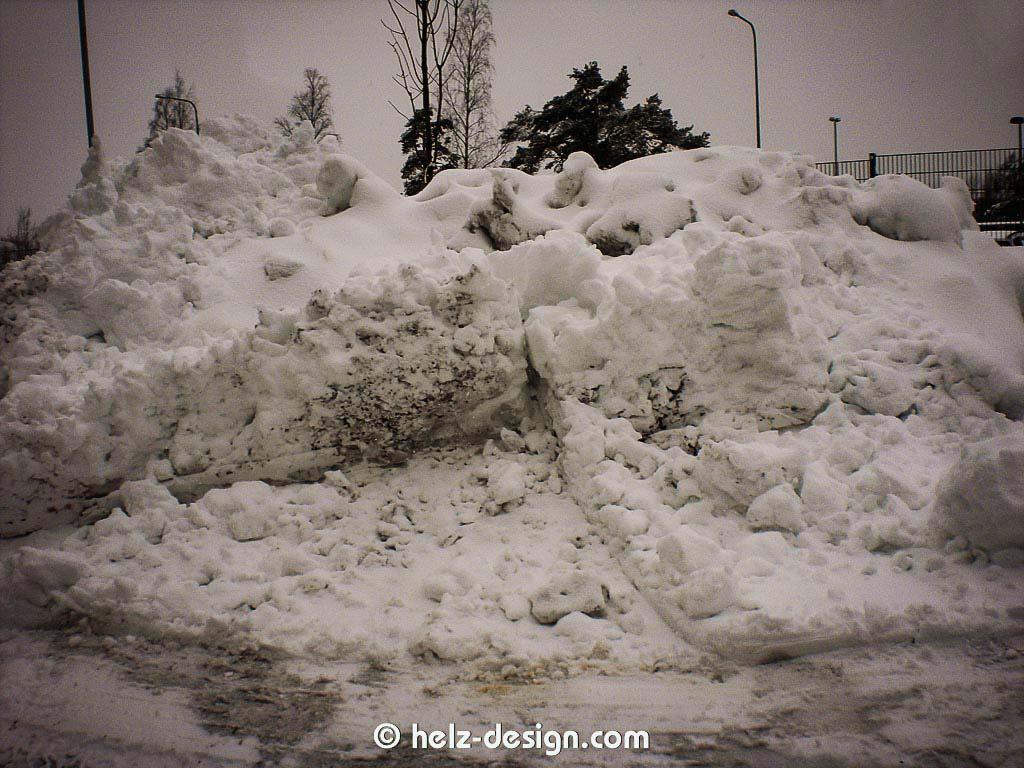 frischer Schnee auf einem Haufen