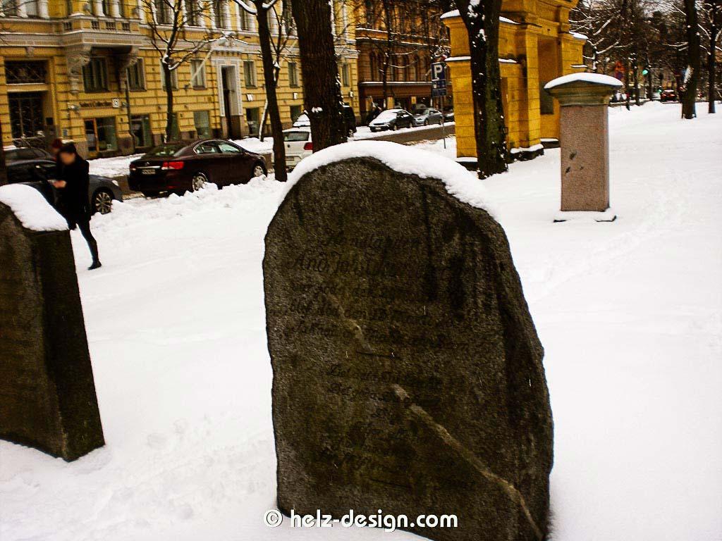 Ideen für einen kleinen Grabstein gesucht :D