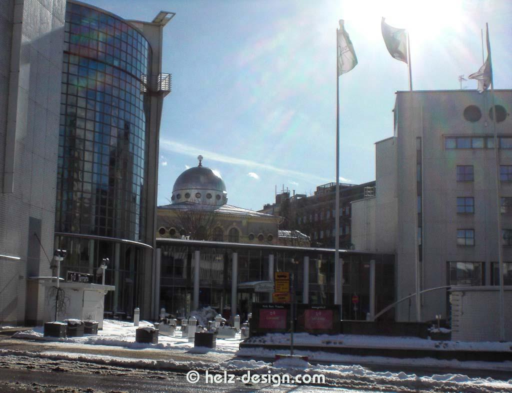 Radission Blue und Helsingin Juutalainen Seurakunta / Synagoge