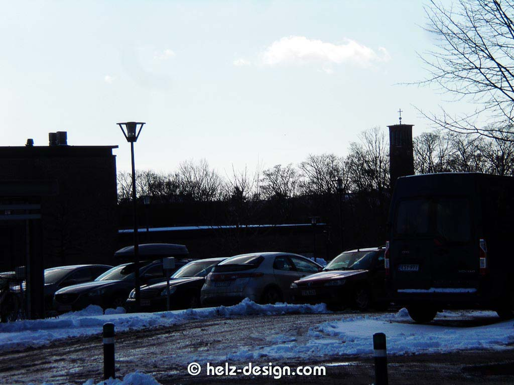 Parkplatz und ein alter Bekannter: Paavalinkirkko