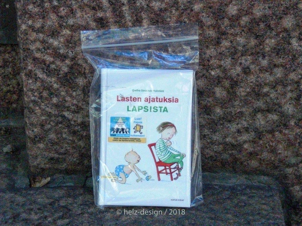 vor einem Haus am Bulevardi fand sich dieses Tütchen lastenaatuksia lapsista kindergedanken über kinder