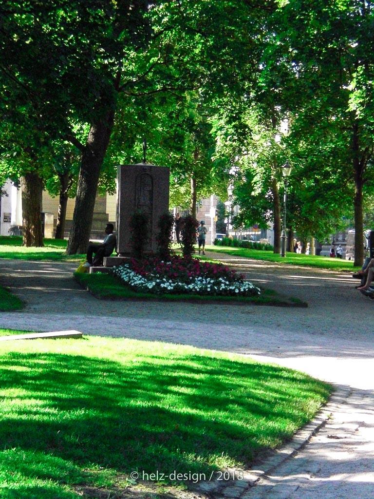 Helsingin valtauksessa kaatuneiden saksalaisten muistomerkki –  Denkmal für die 54 gefallenen Deutschen im Bürgerkrieg 1918