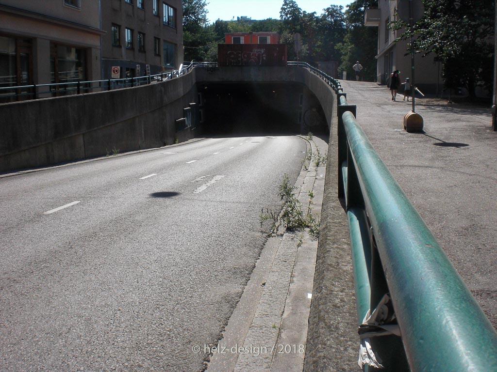 Noch mehr Tunneleinfahrt