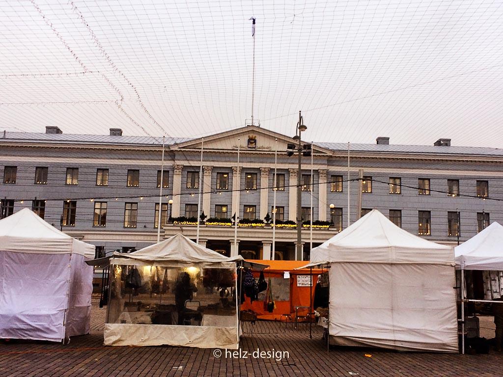Kauppatori – Rathaus / Kaupungintalo