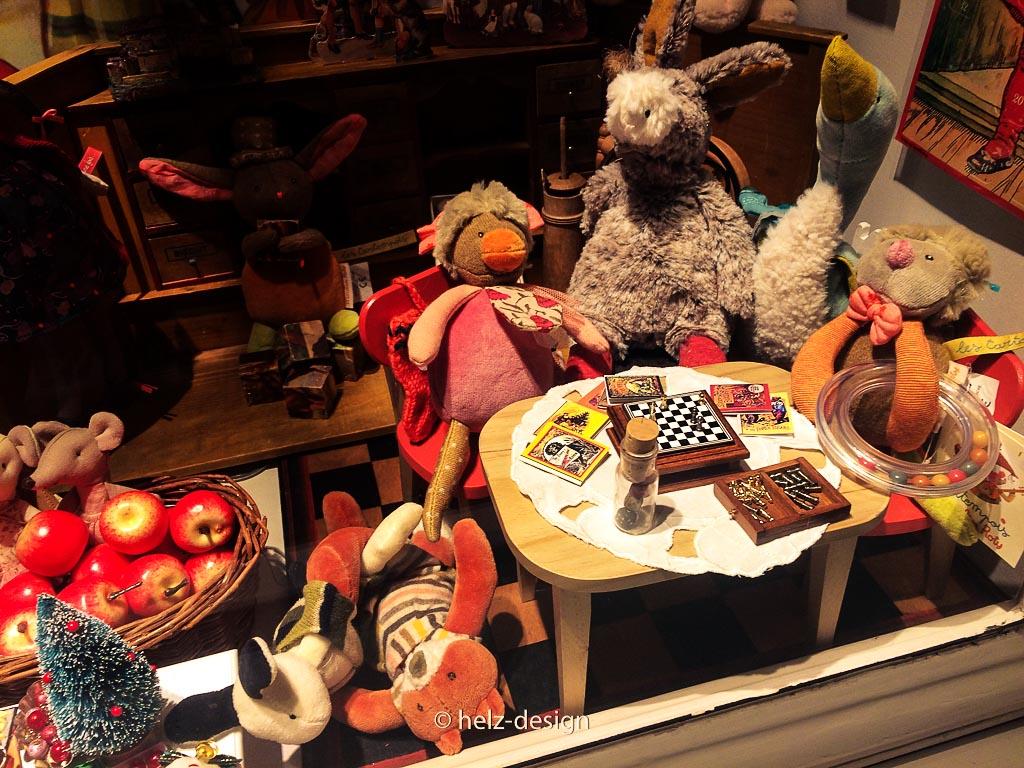 Lelukauppa – Spielzeugladen mit Puppenschachspiel