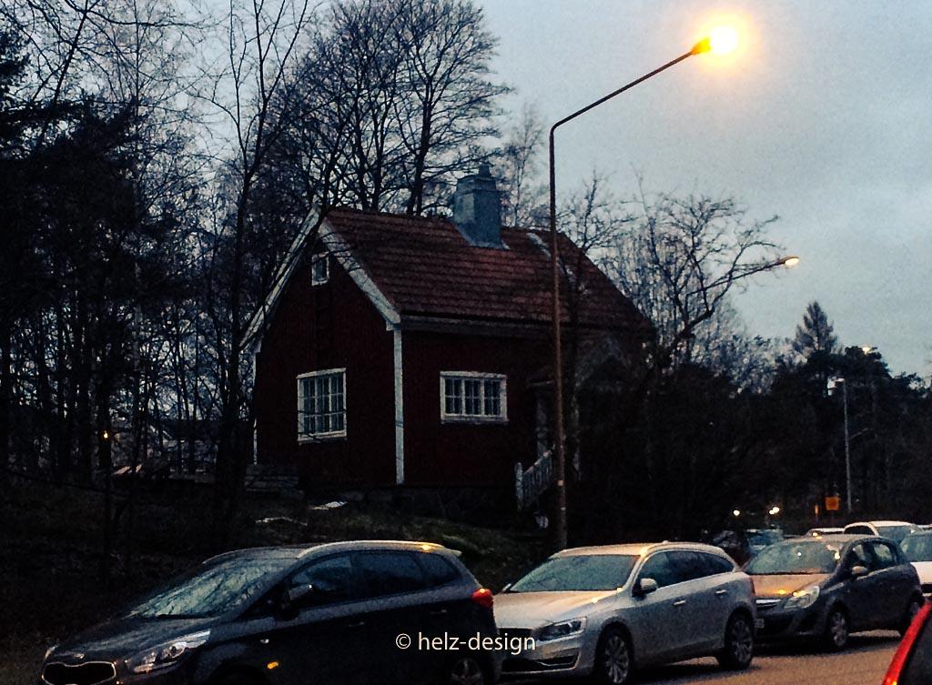 Rotes kleines Haus in der Mäntymäentie