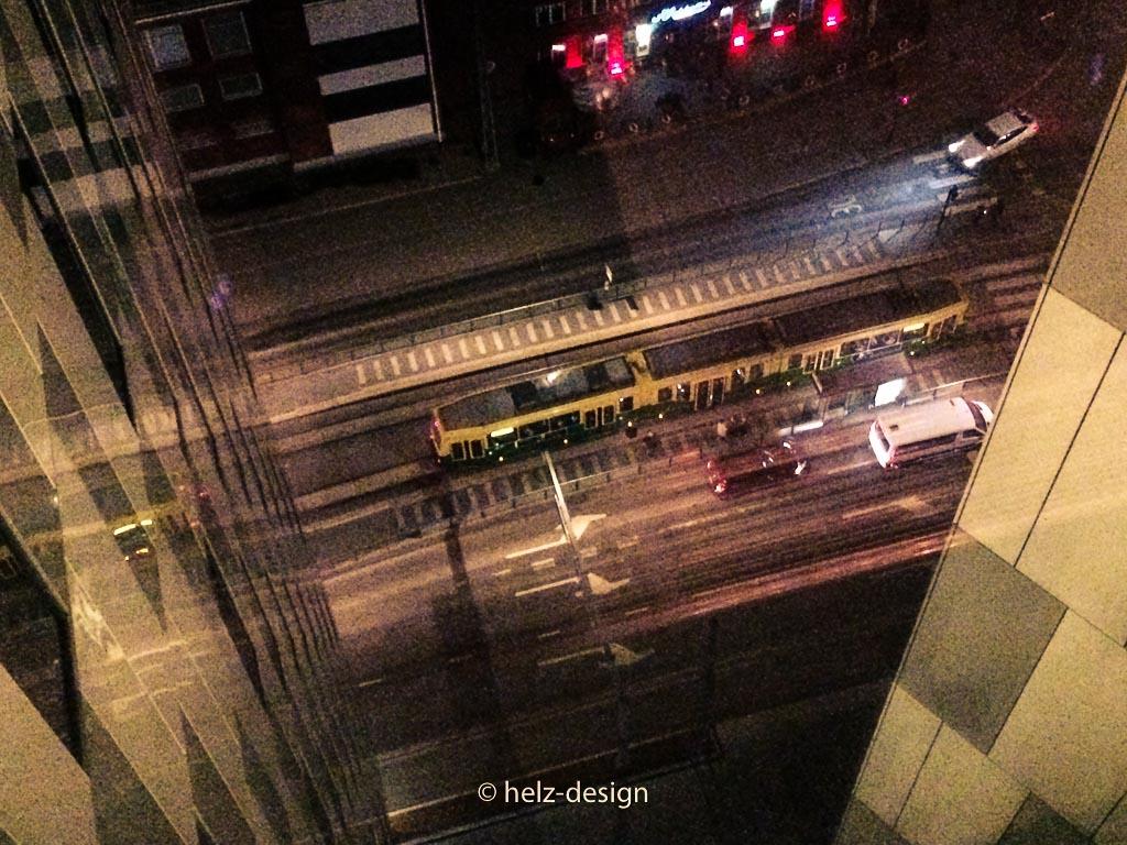 Blick aus dem 16. Stock zur kleinen Tram