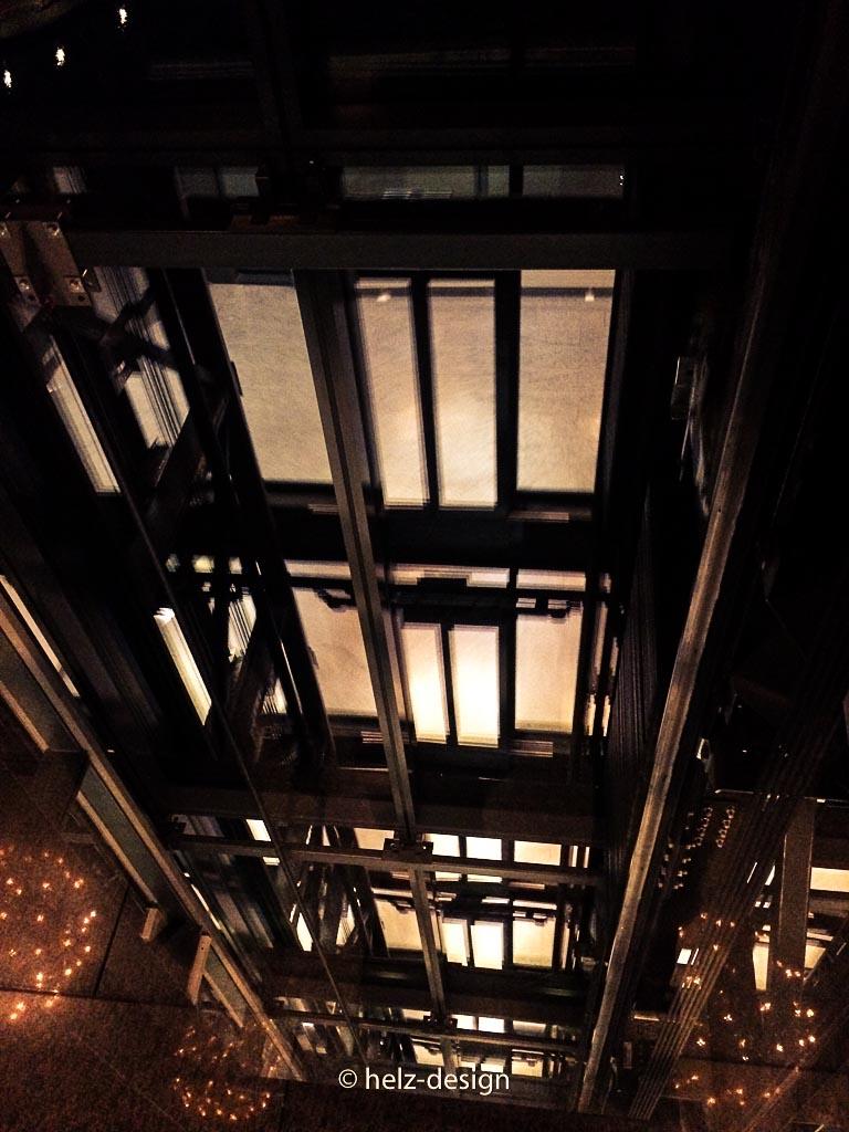 Fahrstuhl nach unten