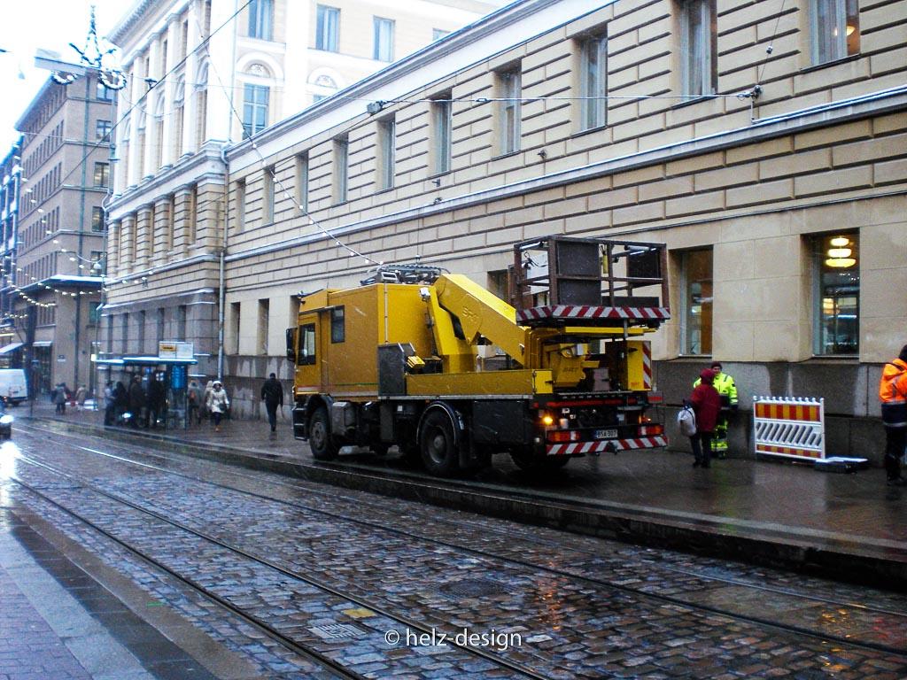 Wie nennt man diese Wagen? Große gelbe Arbeitsmaschine?