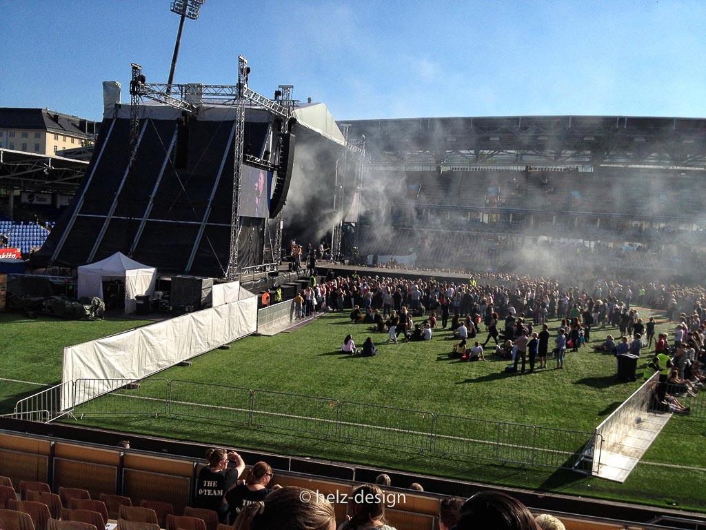 Viel Rauch auf der Bühne bei Planet Case